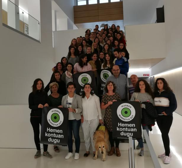 #TengoBajaVision en la facultad de magisterio de Donostia